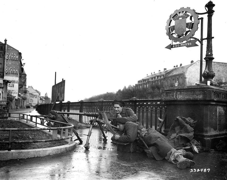 Pont Carnot Mitrailleuse