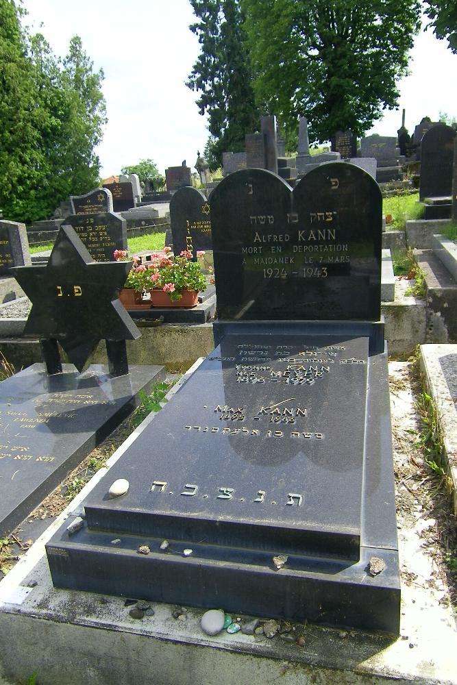 Tomb Shoah