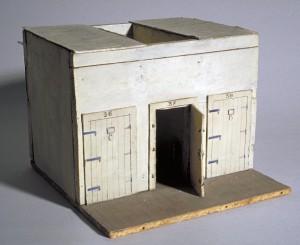 Maquette d'une cellule de la prison Friederich de Belfort. (Musée de la Résistance et Déportation. Ville de Besançon.)