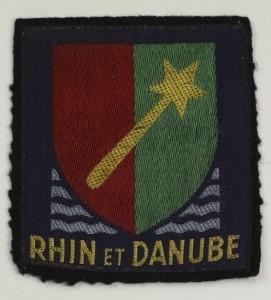 Insigne de la 1èreArmée française devenue fin mars 1945, par la traversée du Rhin, l'Armée Rhin et Danube. (Source : Musée d'histoire de Belfort)
